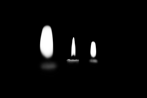 candele in chiaroscuro