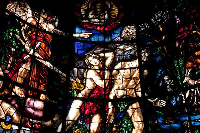 vetrata dell'altare-chiesa dell'annunciata-milano