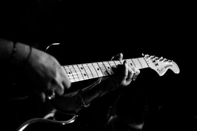 andrea-cofano-chitarra-elettrica