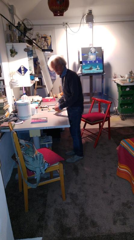 Carlo Brenna nel suo atelier