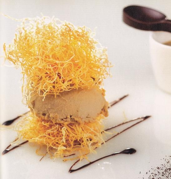nidi di pasta kataifi con musse e crema al caffè