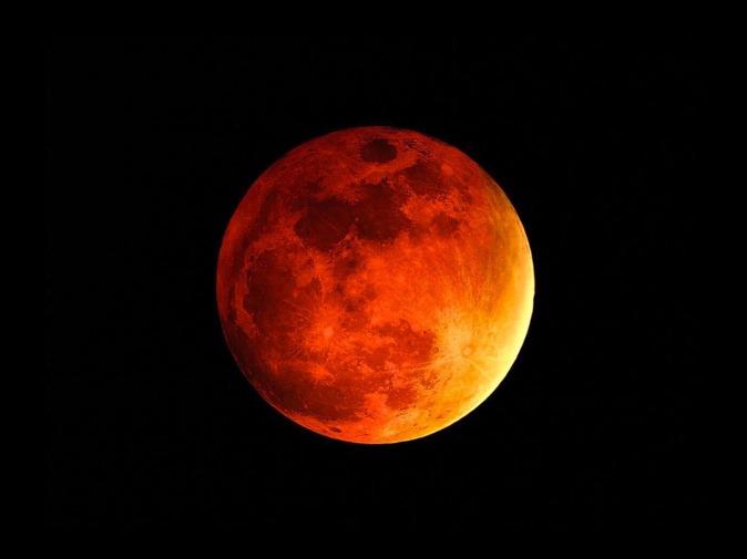 Eclissi-di-luna-