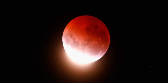 Lunar Eclipse Lights Up New Zealand Sky